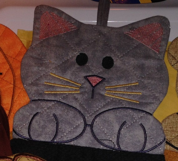 Kitty Quilted Towel Topper In The Hoop Machine Embroidery