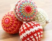Set of 3 crochet bauble decorations. Beautiful crochet Christmas tree / winter ball decorations. Handmade home decor / ornaments.