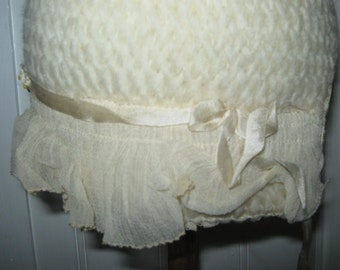 ANTIQUE BONNET