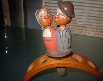 1950s Anri wood hand carved and painted mechanical  kissing couple bottle cork   Collectors Item