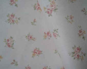 "Half Yard f Lecien Fancy Fabric collection Small Rose Bouquets on Soft Pink Background. Approx 18"" x 44""Made in Japan"