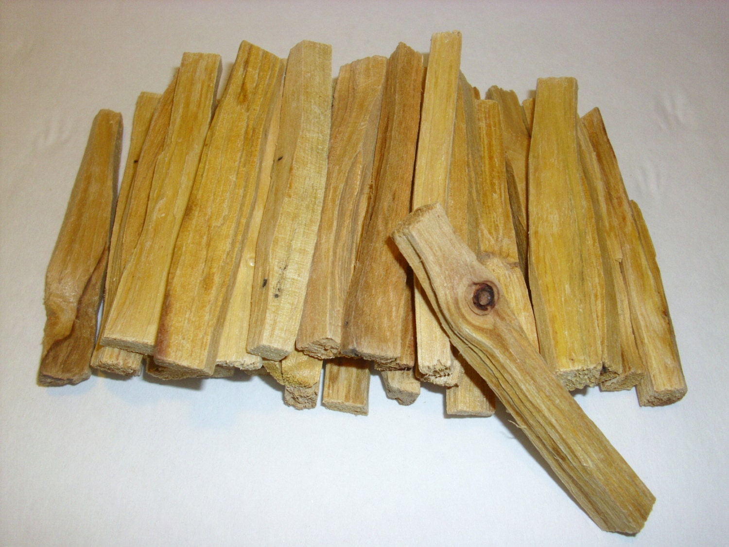 Palo Santo Holy Wood Incese Sticks 32 Pcs
