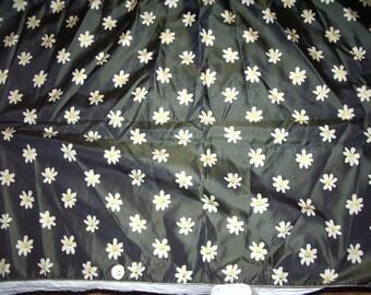 Vintage Silk Taffeta Daisy Pattern Salesman Sample 1960s 24W x 36 L