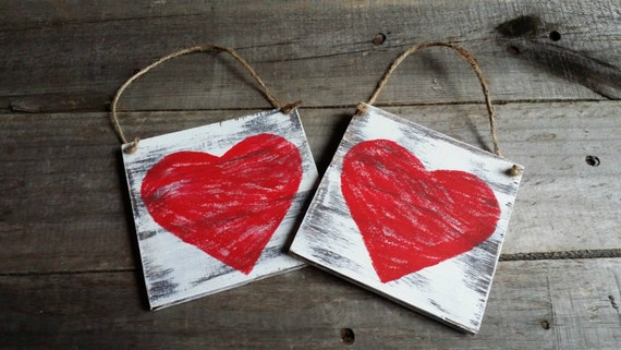 Distressed Rustic Wooden Heart Signs Valentines Decor Grungy