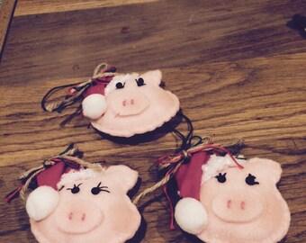 set of 3 christmas  pigs, made of felt