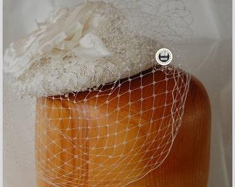 Bride fascinator/ bridas fascinator veil