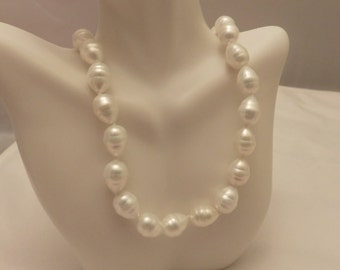 925 Sterling Silver Vintage White Faux Pearl Necklace