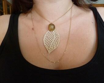 Vintage Pendant Necklace.  Fine Gold Chain Necklace. Long Chain Necklace.   Delicate Leaf Necklace. Gift. U.K