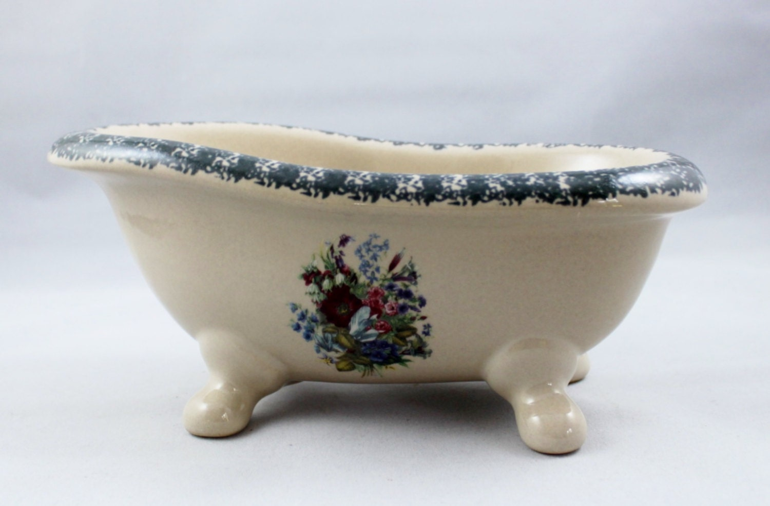 Vintage Ceramic Footed Bathtub Soap Jewelry Dish Planter