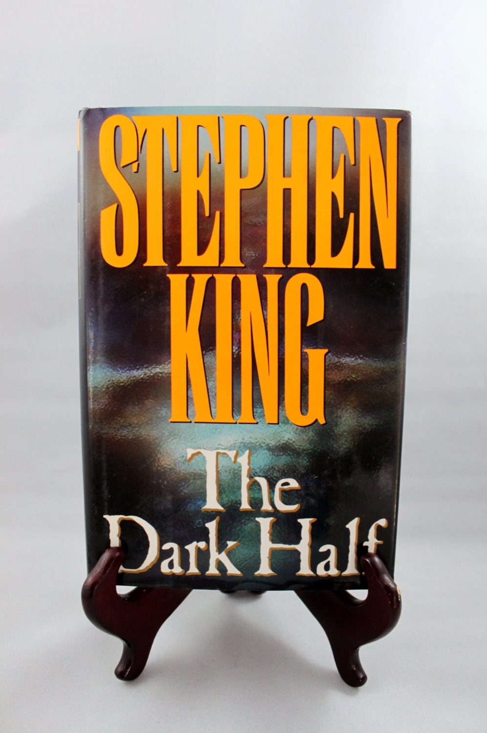 an analysis of the novel the dark half by stephen king The dark half - ebook written by stephen king read this book using google play books app on your pc, android, ios devices download for offline reading, highlight, bookmark or take notes while you read the dark half.