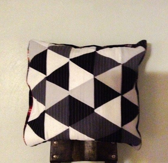 Items similar to Modern triangle pillow cover on Etsy