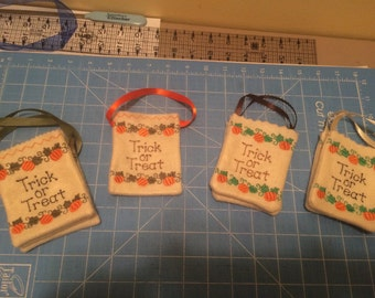 Trick-or-treat gift card holder