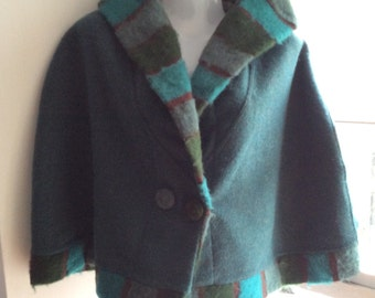 Vintage short hooded cape M