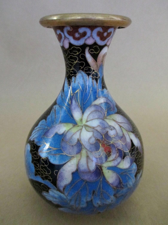 cloisonne vase vintage cloisonne asian decor asian vase. Black Bedroom Furniture Sets. Home Design Ideas
