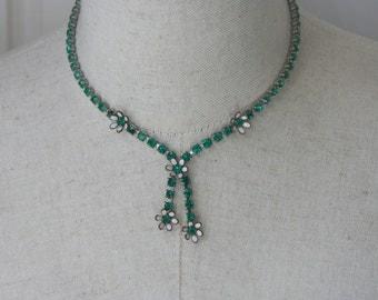 Vintage  Green Rhinestone Unsigned Weiss Emerald Necklace Lariat style Bib tassels
