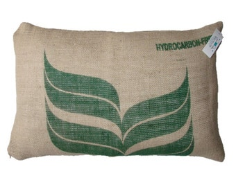 Cushion Cafe do Brasil Interagricola, made with recycled coffee sack fabric. Insert included.