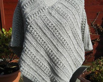 Poncho in Light Grey and Off White