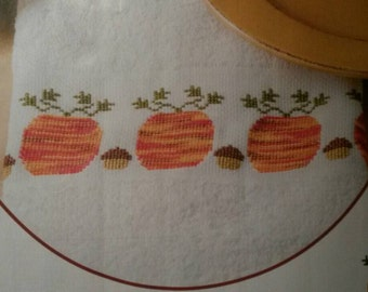 Pumpkins & Acorns Towel Cross Stitch Pattern
