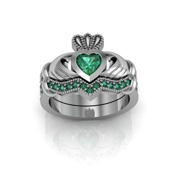sterling silver emerald claddagh and by majesticjewelry99