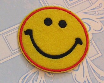 4pcs/LOT  cartoon  happy smilie face   embroidered iron on patch 6.5cm