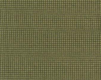 45'' Maywood Studios Woolies Flannel Green MASF18122-G2 by the Yard