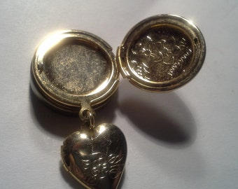 Vintage Heart  - Round Charm Button Cover