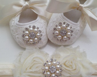Baby off white/ ivory lace shoes and headband set---Newborn Baptism and christening cream lace shoes--off white crib shoes