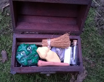 Travel Altar Chest Kit, Mini Altar, - Pagan - Wicca - Druid - Witchcraft - Witch - Goddess - Greenman