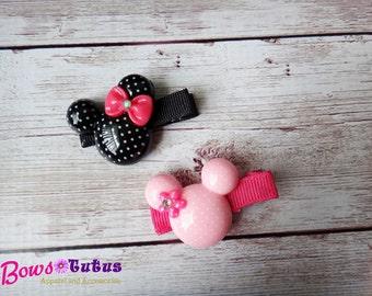 Minnie Mouse Resin Hair Clip - photo prop