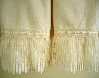 RUFFLE LACE Fingertip or Guest Towel pair (2) Ivory Velour Terry Cotton NEW
