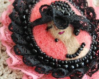 Felting Brooch/OOAK brooch/Felt Brooch/Female portrait/Needle felting/Gifts for her/Original brooch/Mother's Day Gift/Wool brooch/Romantic