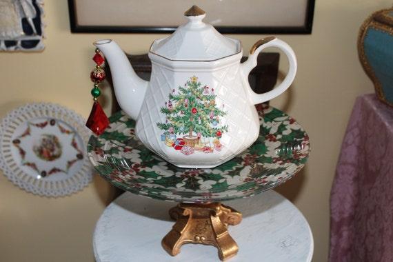 Vintage Christmas Tree Teapot Standing Centerpiece / Vase