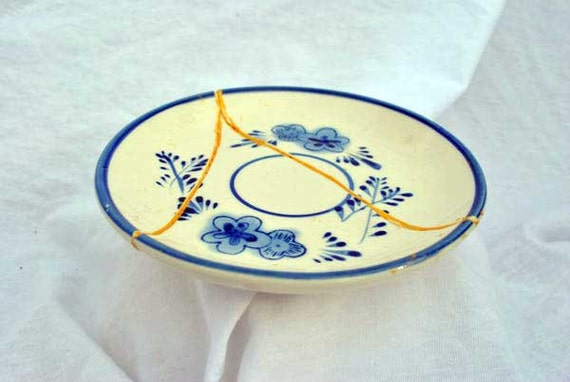 Classic Blue Pattern Kintsugi Plate Mended with Gold Seams
