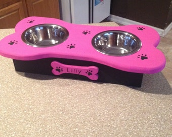 Personalized dog bowl holder