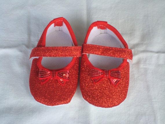 b b fille berceau rouge chaussures rouge paillettes. Black Bedroom Furniture Sets. Home Design Ideas