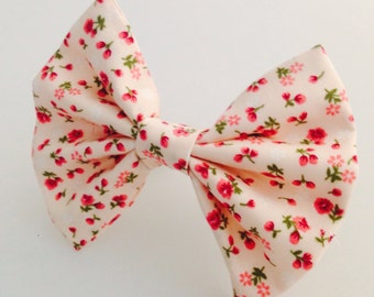 Baby pink mini flowers hair bow