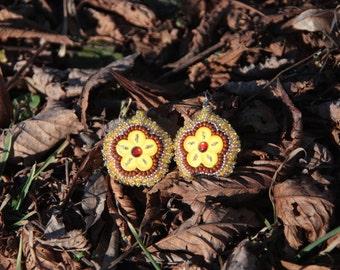 Sewn beaded flower earrings, Beaded earrings, Beaded jewelry