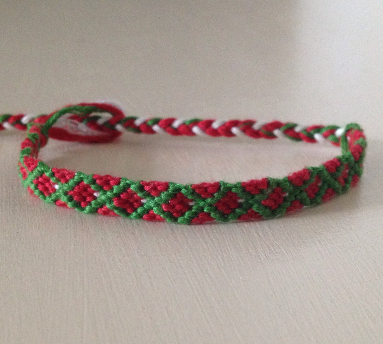 friendship bracelet christmas red green white diamond. Black Bedroom Furniture Sets. Home Design Ideas