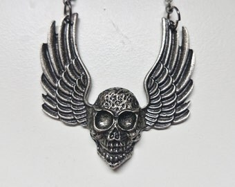 Winged Skull Pewter Pendant Necklace, Gothic Jewellery Metal wear, Vampire Necklace, Vampire Jewelry, #08