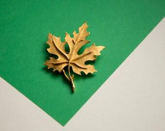Vintage Corocraft Maple Leaf Brooch!
