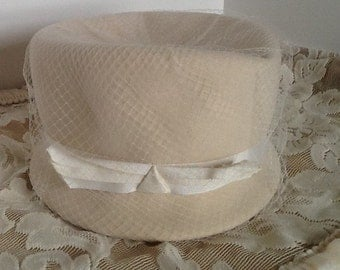 1950's Vintage White Wool Hat  Glenover Henry Pollak  100% Wool Hat with Netting and Ribbon