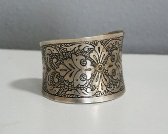 Ornate Engraved Silver Plated Wrist Cuff Vintage 1970s Paisley Floral, Botanical