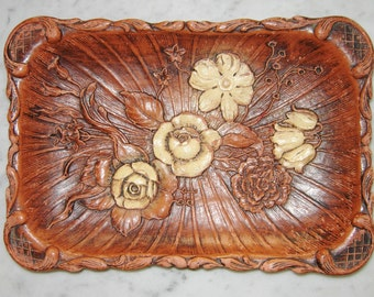Vintage 1944 Carved Wood Flowered Bread Dish/ Tray