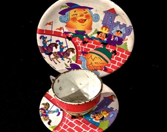 Vintage Ohio Art 12  Piece Humpty Dumpty, Childs Tin Toy Tea Set...Tin with litho.. Circa 1960's