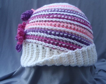 Crochet Women's Hat with Flower Pattern ,crochet patterns,crocheting