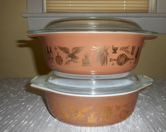 Pyrex Early American 1.5 Qt Casseroles (Lot of 2 with Lids)
