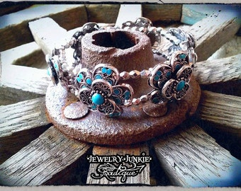 Turquoise and Metal Flower Stretch Bracelet