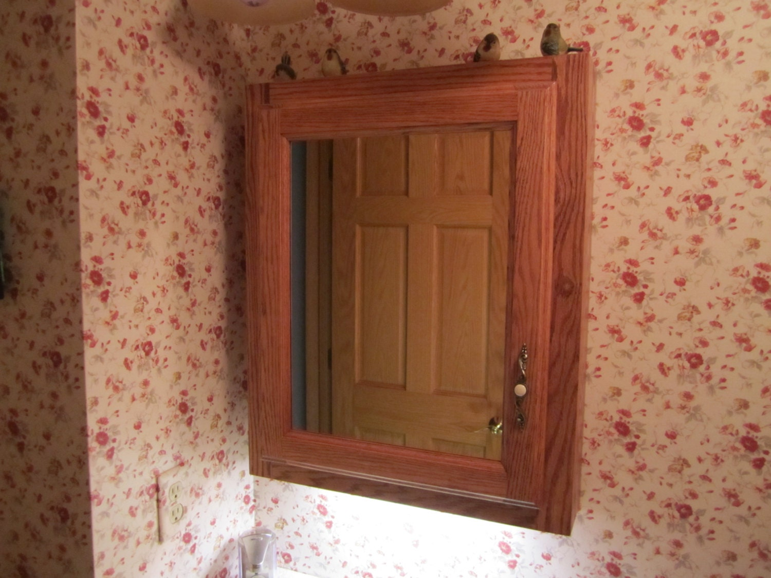 red oak recessed wall mounted medicine cabinet with mirror. Black Bedroom Furniture Sets. Home Design Ideas
