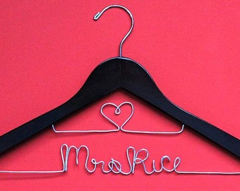 2 Line Low Price High-Quality Personalized Hangers Custom Name Hanger Wire Hanger Wedding Hanger Wedding Dress Hanger