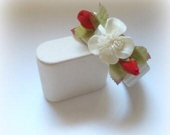 Flower bracelet, Rose bracelet, Ivory bracelet, Bangle bracelet, Floral bracelet, Bridal bracelet, Mother of the bride bracelet